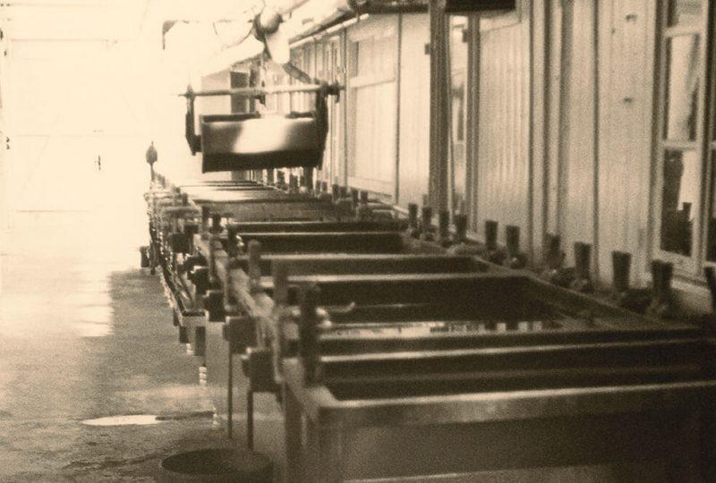 1967-erste-halbautomatisierte-beschichtungsautomaten